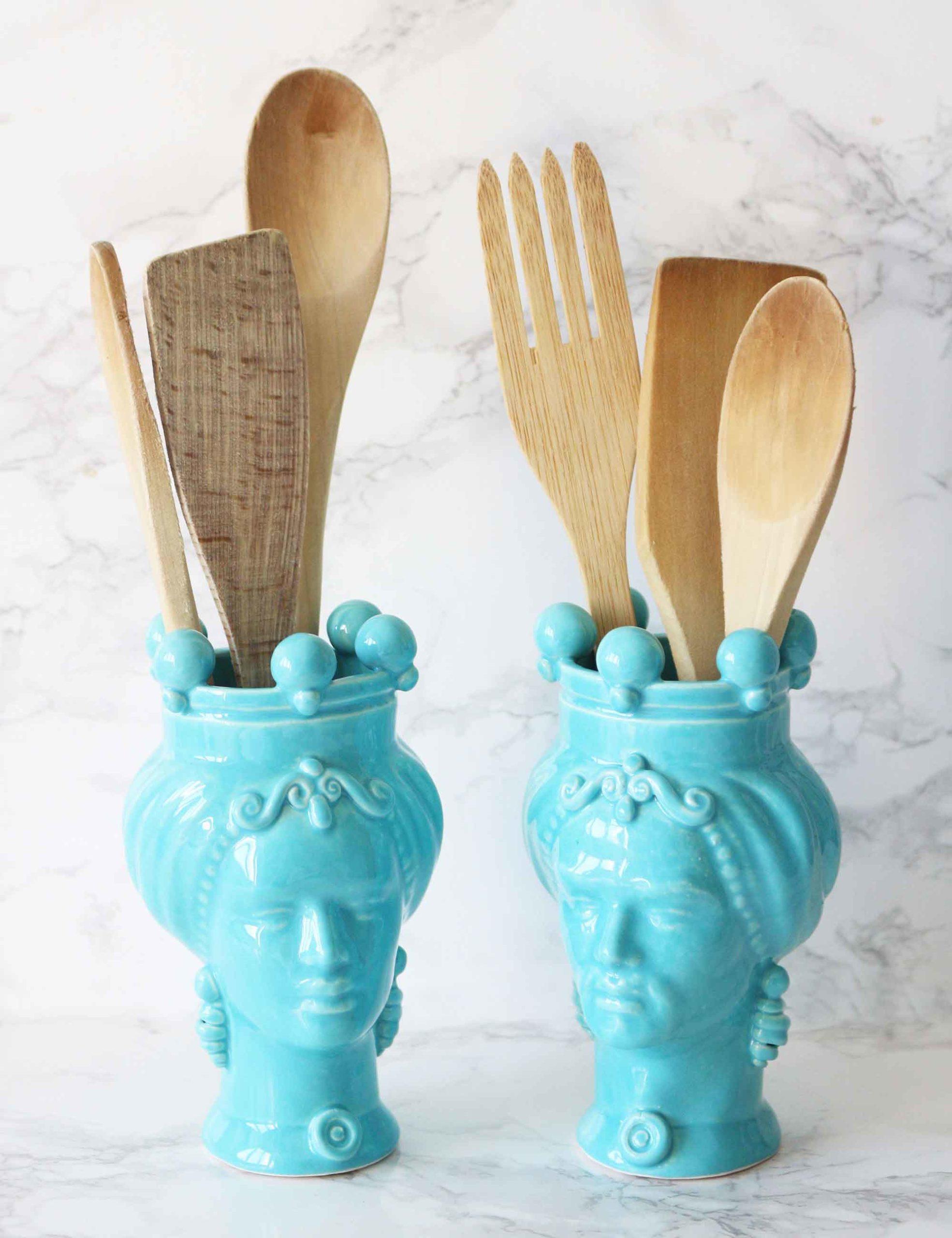 Teste di moro colore azzurro in ceramica di Caltagirone