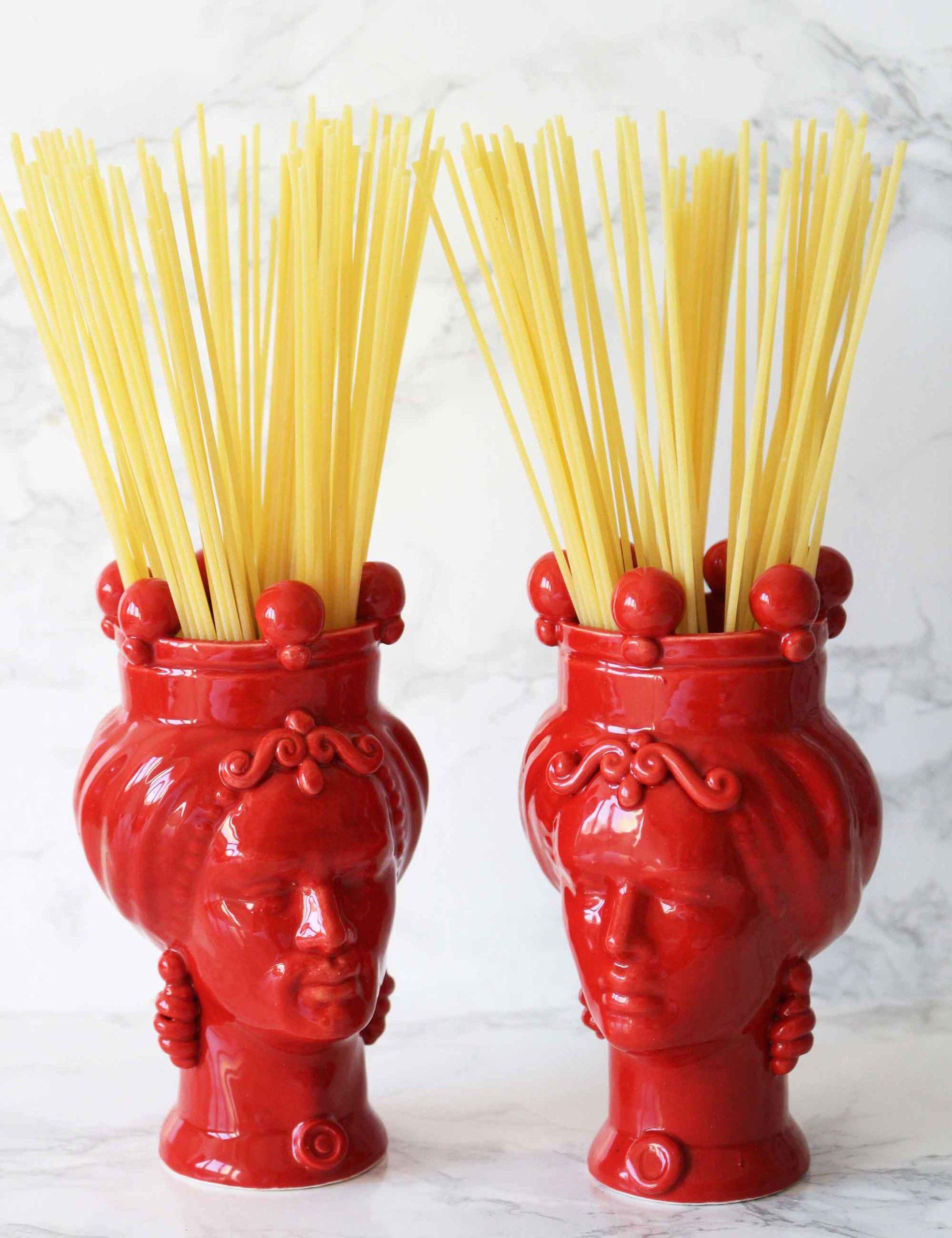 Teste di moro colore rosso in ceramica di Caltagirone