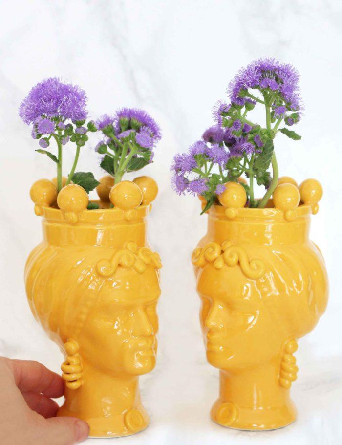 Teste di moro colore giallo in ceramica di Caltagirone