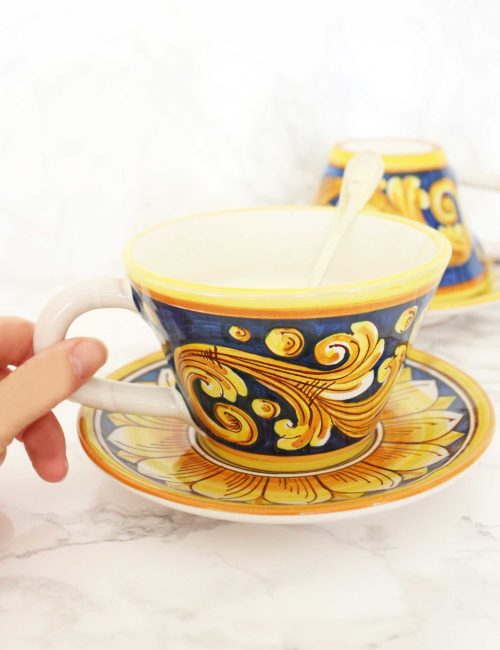 tazza ceramica decorata di Caltagirone