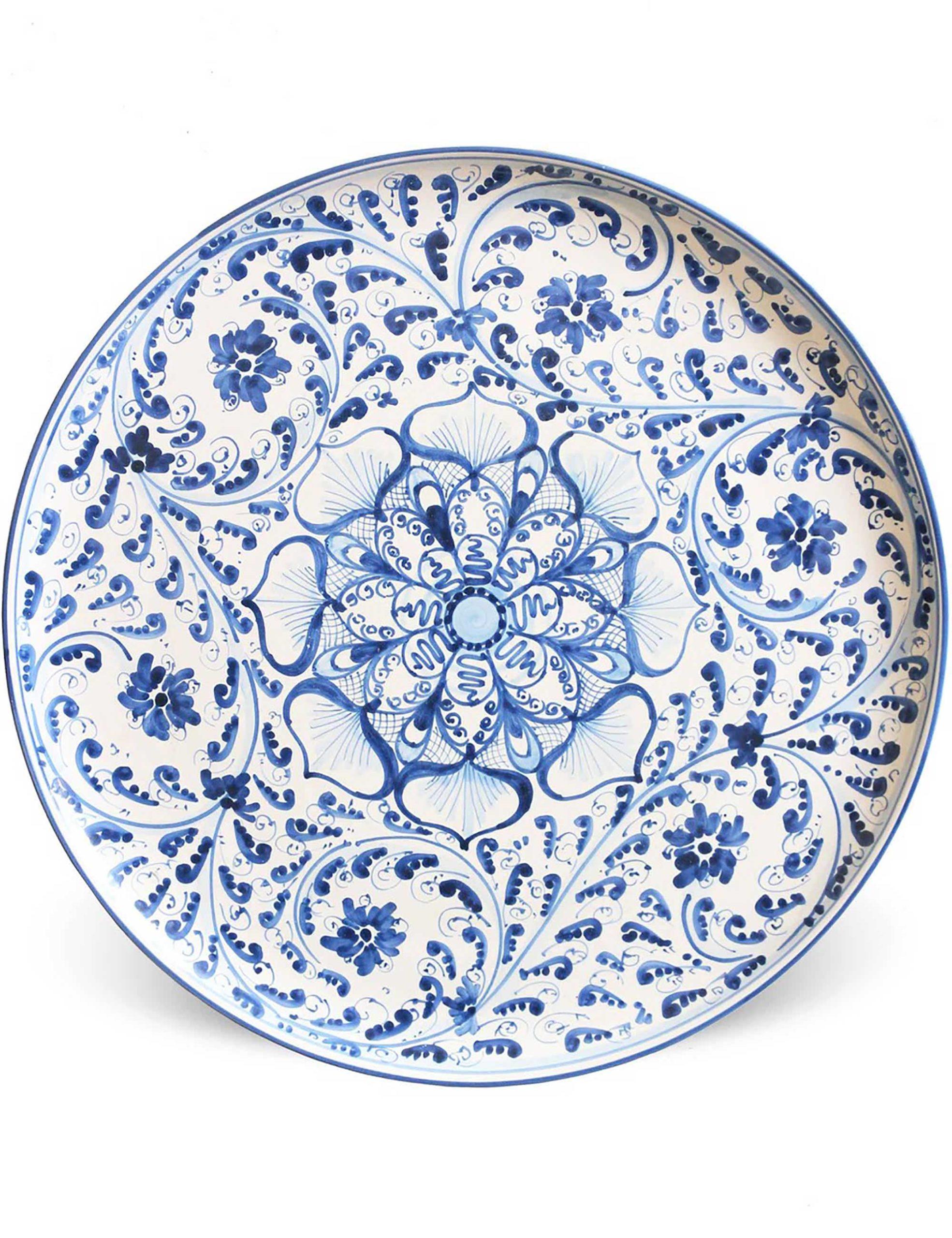 Piatto da portata rotondo in ceramica siciliana decorata di Caltagirone-Salemi