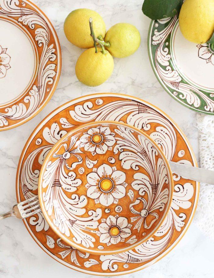 Piatti decorati Marzapane in ceramica di Caltagirone