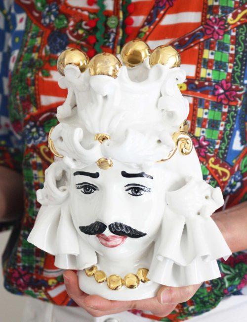 Testa di moro in ceramica con decorazione oro