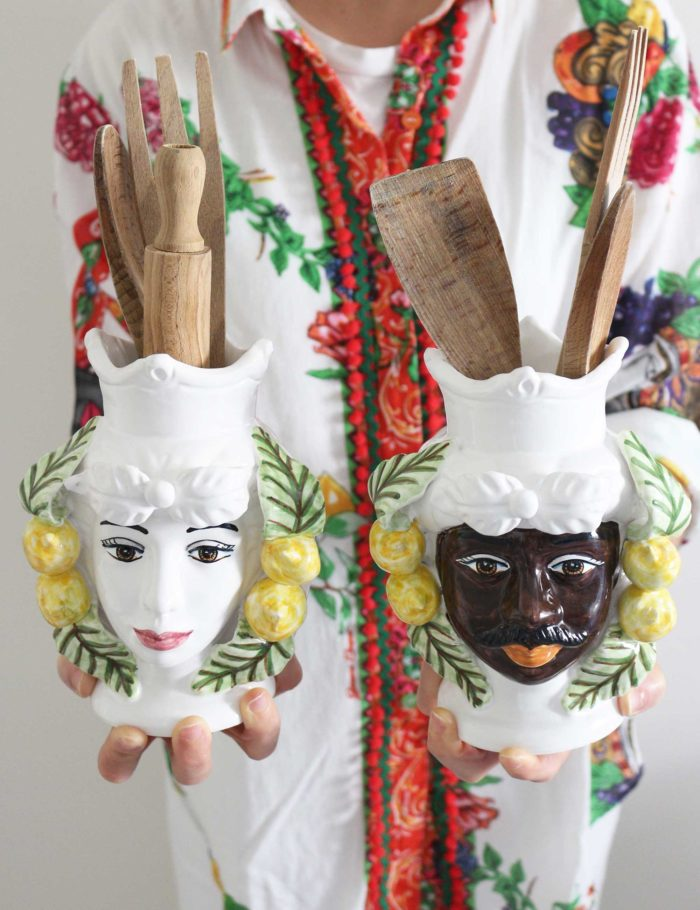 Teste di moro in ceramica con decorazioni limoni di Sicilia