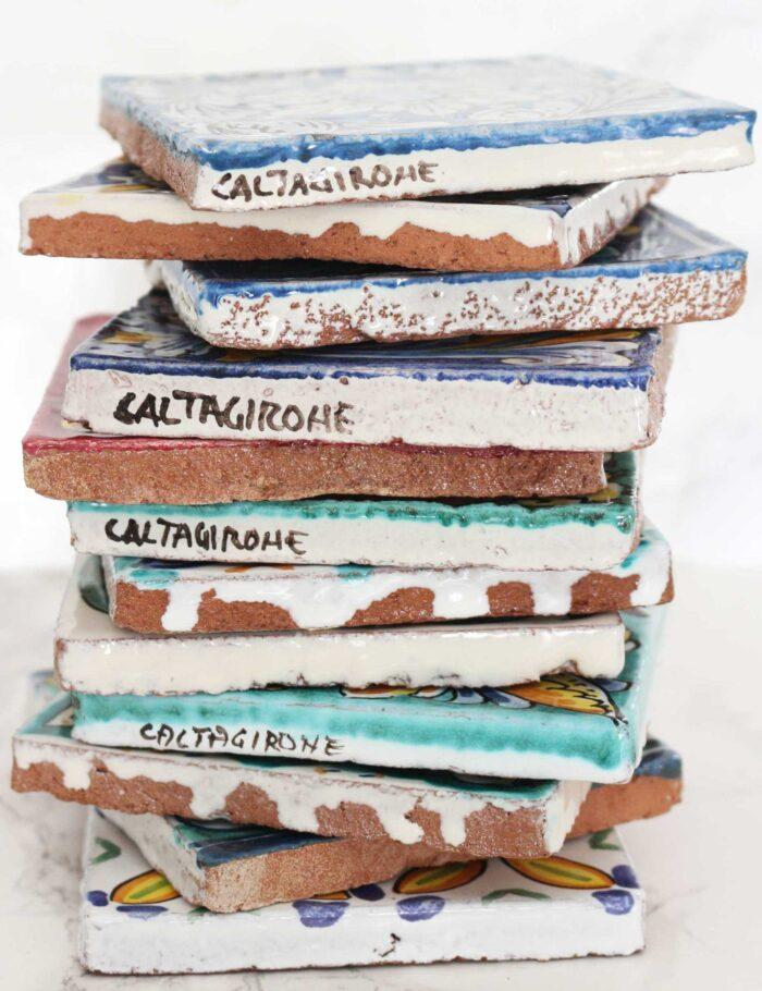 Maioliche in ceramica decorata di Caltagirone