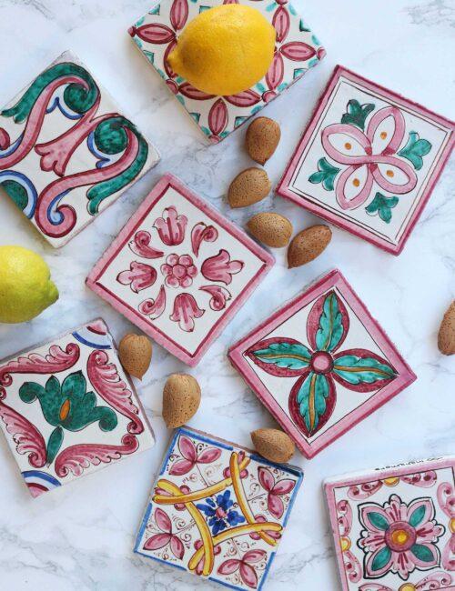 Maioliche in ceramica di Caltagirone decorate a mano